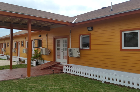 Island Comfort Bed & Breakfast on Andros