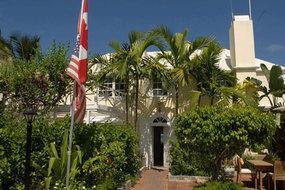 Runaway Hill Inn on Harbour Island
